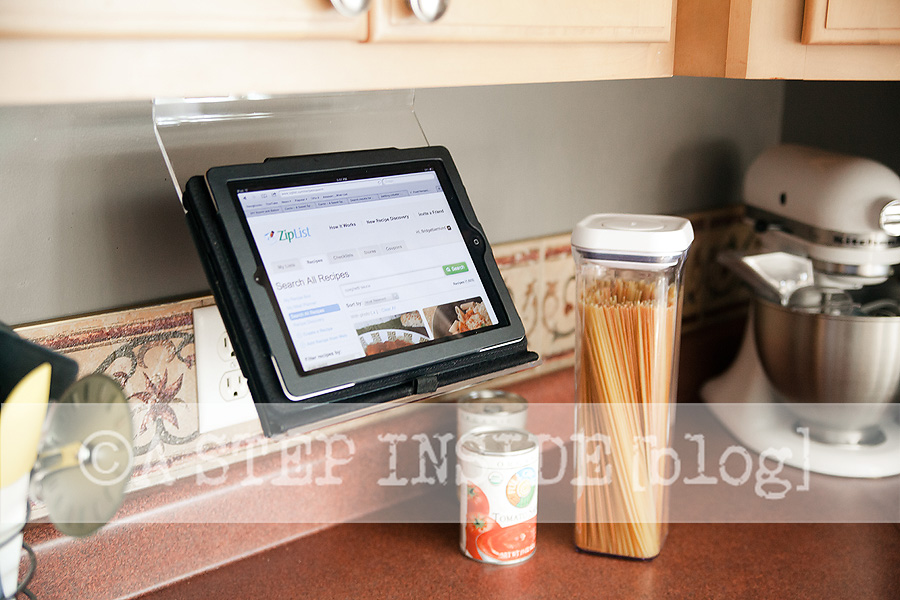 Genial Diy Ipad Holder Under Kitchen Cabinet Keeps Recipes Closeby. Great Gift  Idea A Step Inside