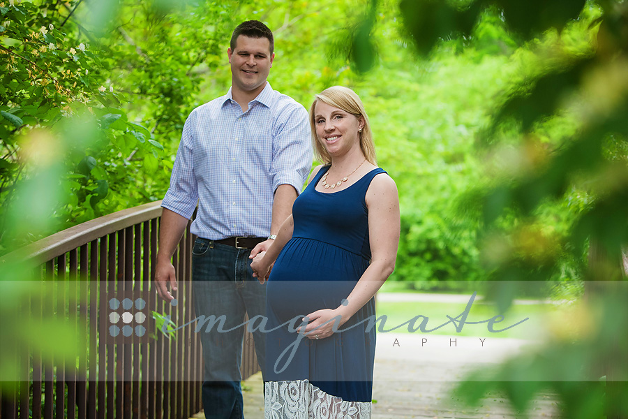 becky & scott maternity pictures 2