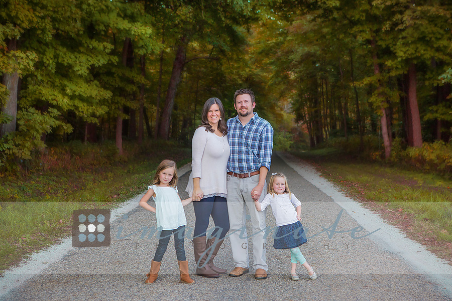 Fall Family Pictures Outfit Ideas Colors 5