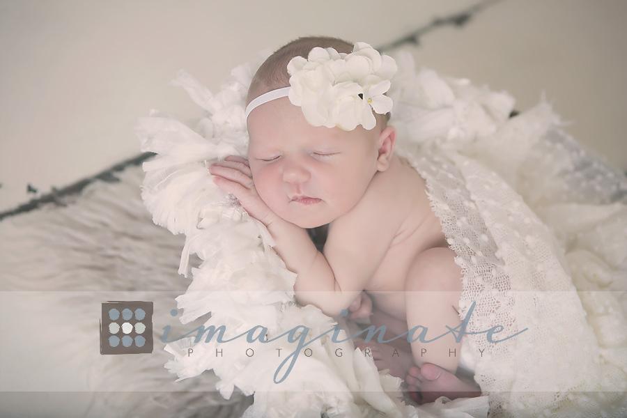 newborn-baby-girl-cecilia