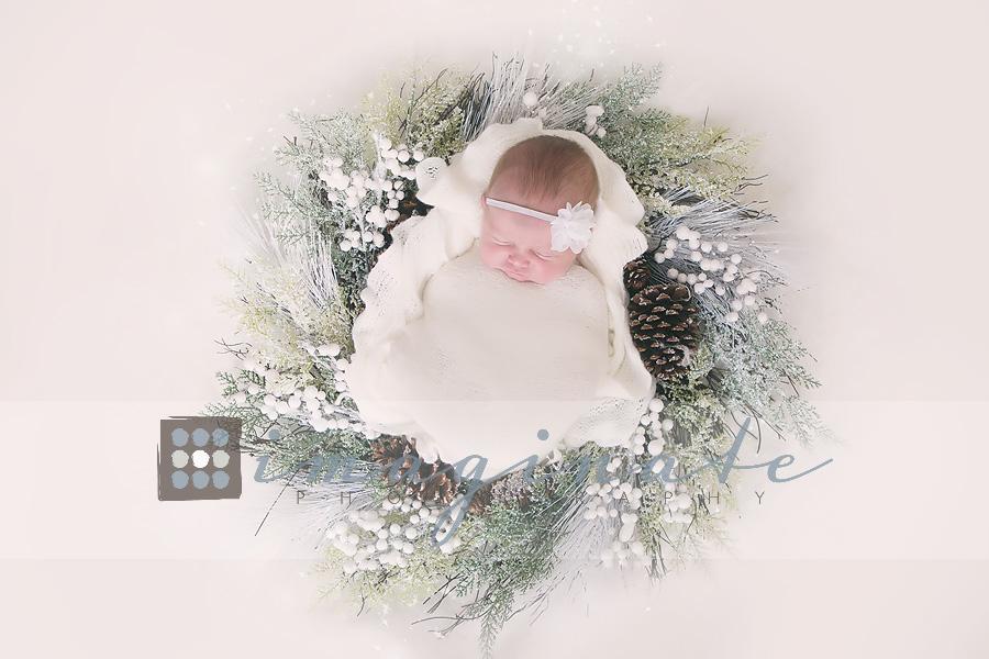 newborn-baby-girl-wreath-newborn-photography