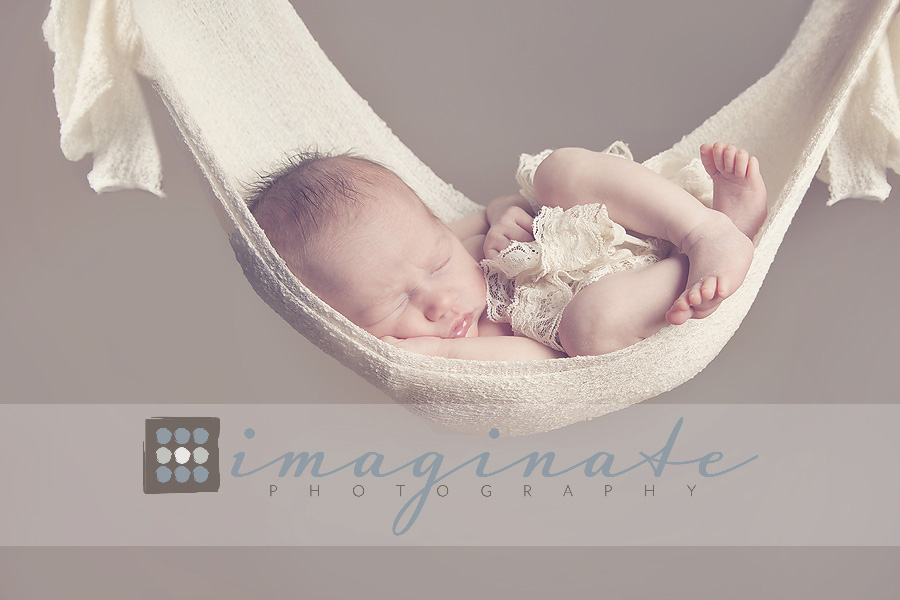 Newborn baby girl ryen newborn photography bloomington il