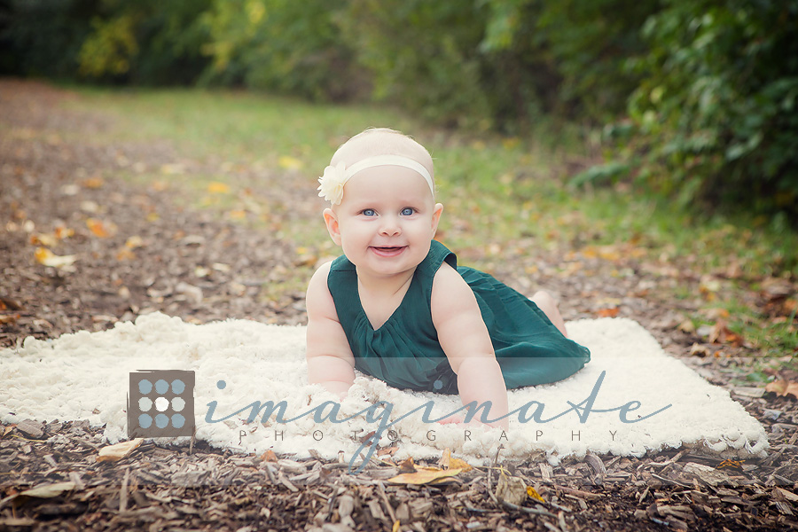 6-month-old-baby-emma-fall-pictures-2