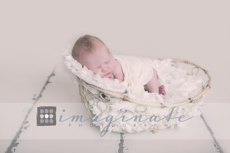 newborn-baby-girl-newborn-photography