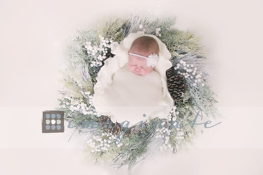 newborn-baby-girl-wreath-newborn-photography